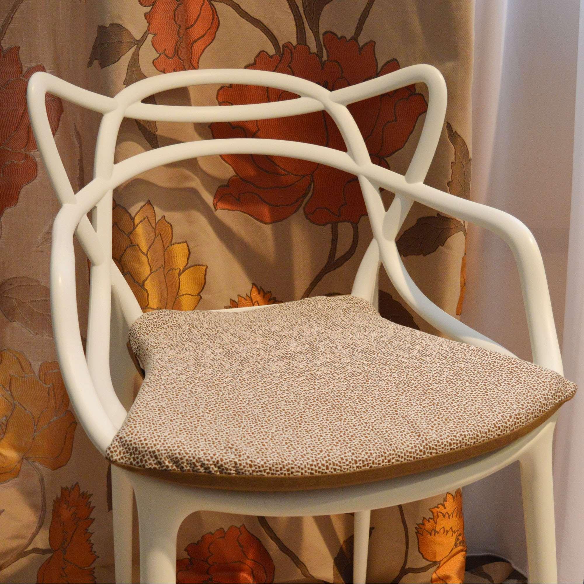 Cuscino per sedia modello kartell tina codazzo home - Cuscino per sedia viola ...
