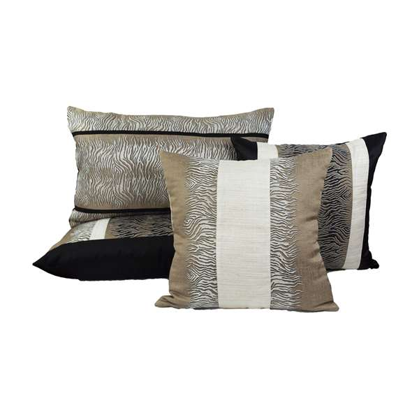 Set cuscini design animalier nero e beige